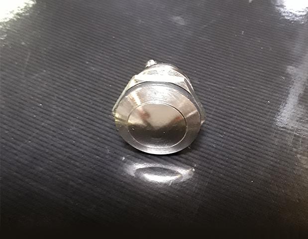 Bouton poussoir miniature